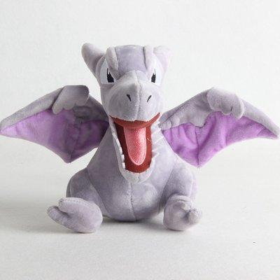 Aerodactyl - Pokémon Knuffel met zuignap 22cm (ophangbaar)